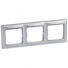 Рамка 3-постовая Legrand Valena 770353 алюминий/серебро