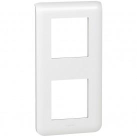 Рамка 2х2 модуля вертикальная Legrand Mosaic 078822 белая