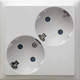 Розетка двойная  с з/к, со шторками (белый) LK60