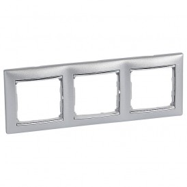 Рамка Legrand Valena 3 поста алюминий/серебряный штрих